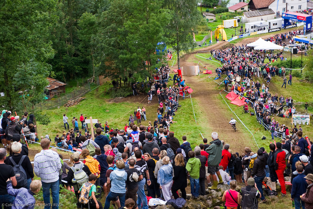 Tracy Moseley s retirement from Elite DH racing leaves the door wide open for any one of a select few elite women to rise to the top.