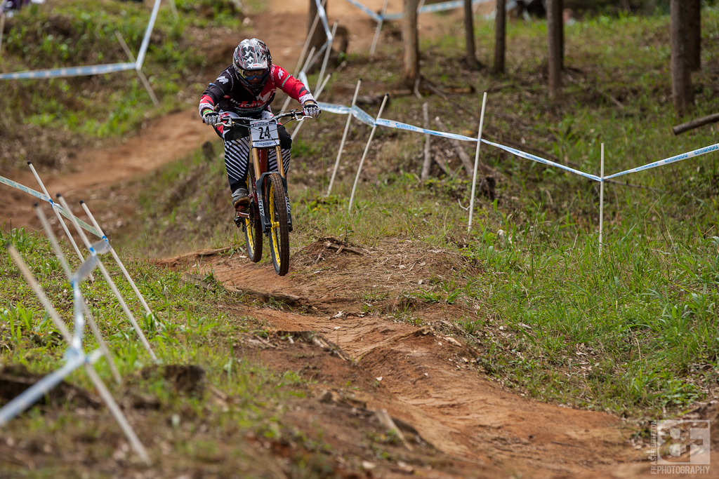 Mick Hannah gives it one last practice run through the gulley at the Pietermaritzburg UCI World Cup DH
