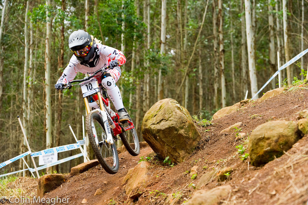 Manon Carpenter had a break through performance today taking second behind Tracey Hannah at the Pietermaritzburg UCI World Cup DH