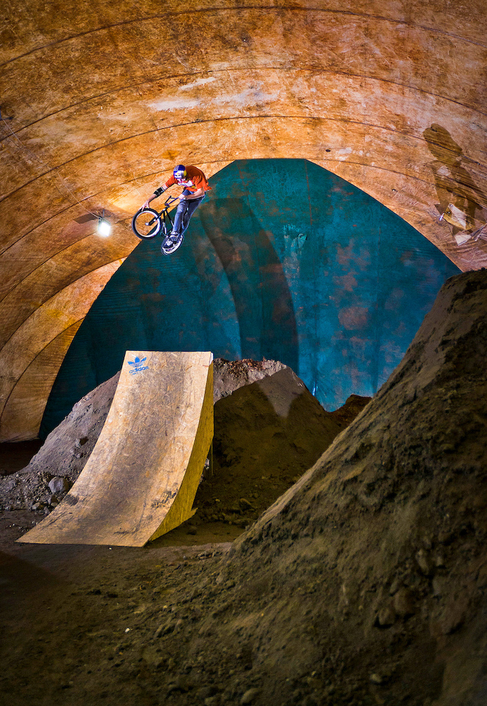 Dawid Godziek at Burn Dirtpark in Warsaw with his Nami v.2. Photo by Konrad Ruci ski. Ride Your Way 2 Bling.