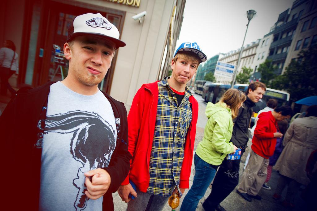 Ryszard RyyS Syryczy ski and Dawid Godziek in Berlin. Photo by Kuba Konwent. Ride Your Way 2 Bling.