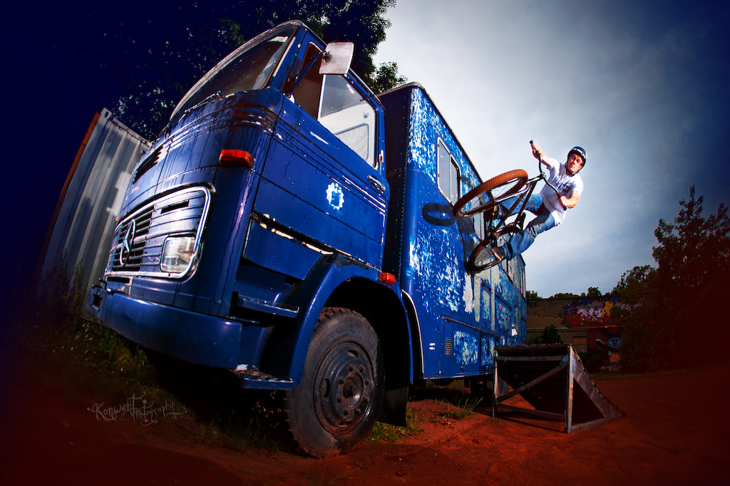 Sebastian Weszler at truck spot in Berlin with his Cody. Photo by Kuba Konwent. Ride Your Way 2 Bling.