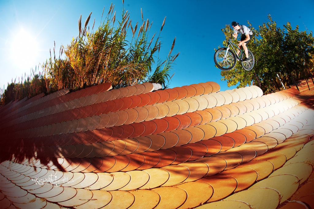 Szymon Godziek at Barcelona banks with his Cody. Photo by Kuba Konwent. Ride Your Way 2 Bling.