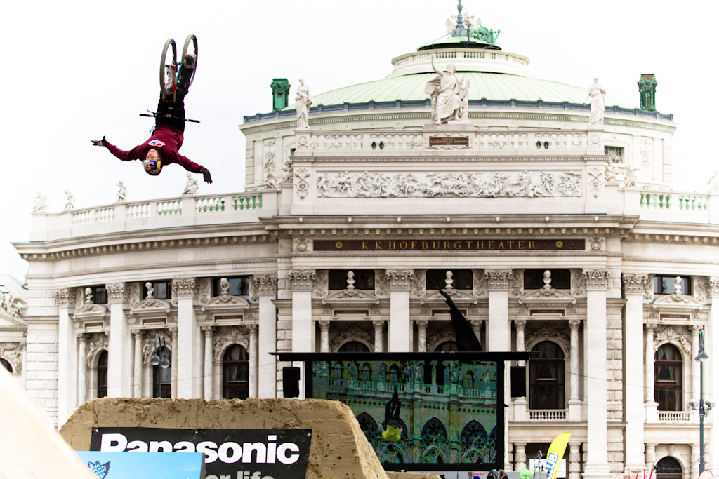 Szymon Godziek flip no Handerat the 2012 Vienna Air King FMB event.