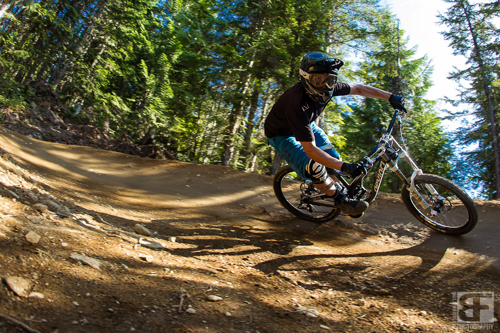 Mike Levy on the Devinci Wilson SL.