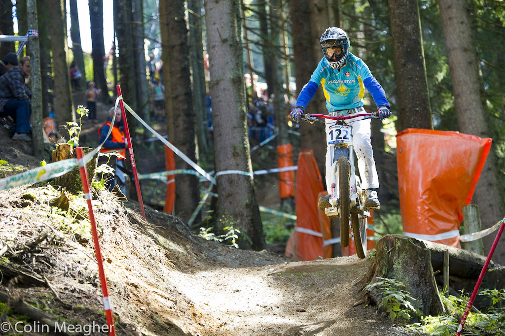 Kazakhstan. Not a country known for producing DH MTB racers... But with deep roots in cycling. 20 year old Alexandr Zubenko was 2 52.207 off pace but damn--the fact he raced here at all was pretty damn cool.