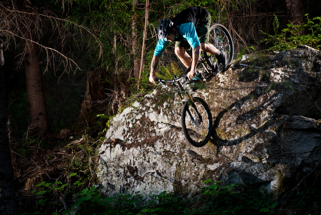 Bandit may be cross-country capable, but XC is certainly not it's limitation. Transition has designed the frame with a strength-to-weight ratio that makes the Bandit light enough to cover lots of ground, but strong enough to endure bits of technical terrain.