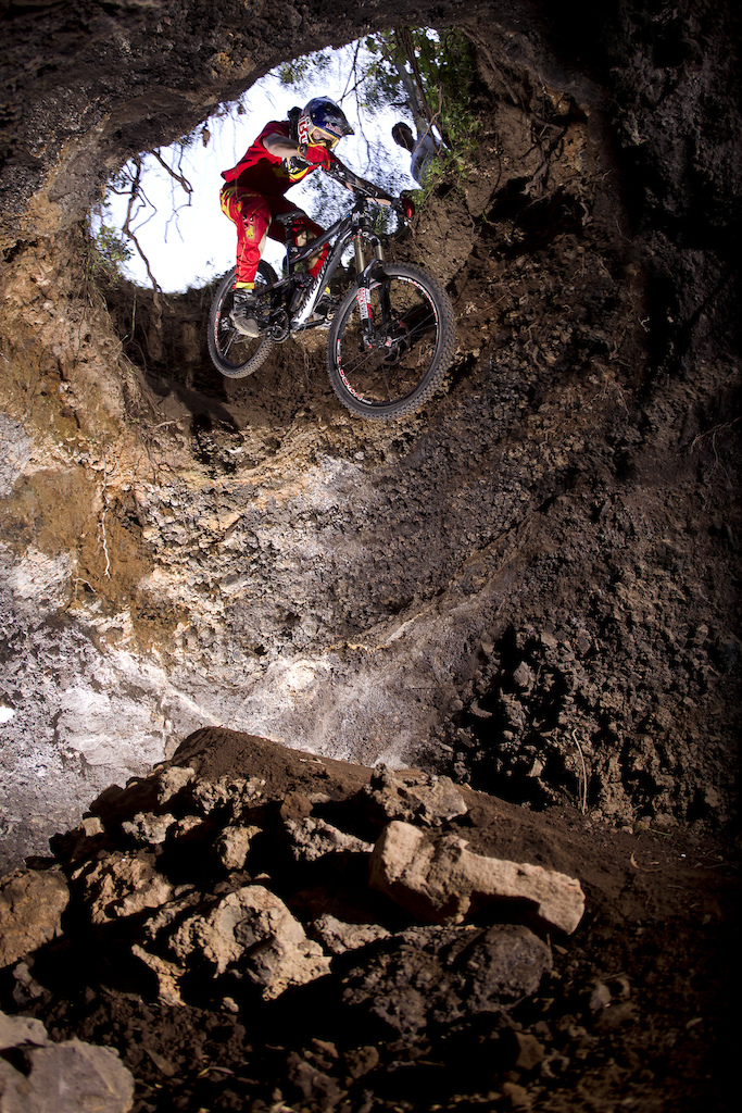 Aron Chase going down the hole in Metepec.