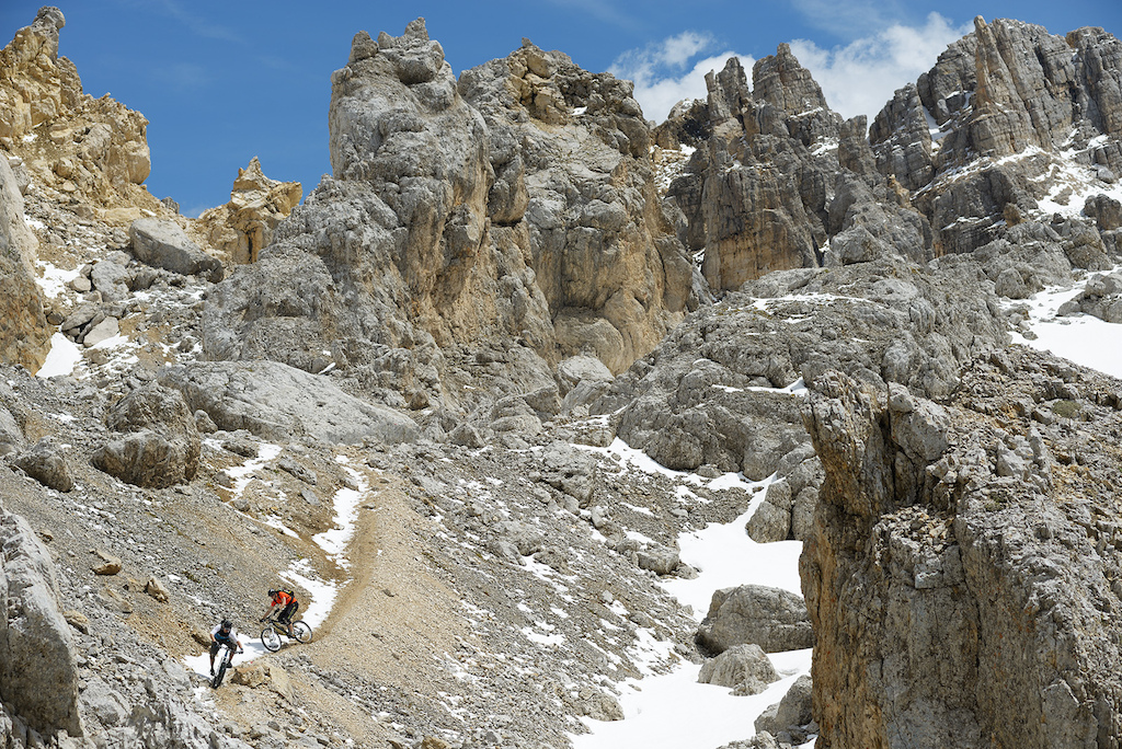 Johannes & Fabi riding an awesome trail in the Dolomites.  It's a pic out of the Latemar movie.