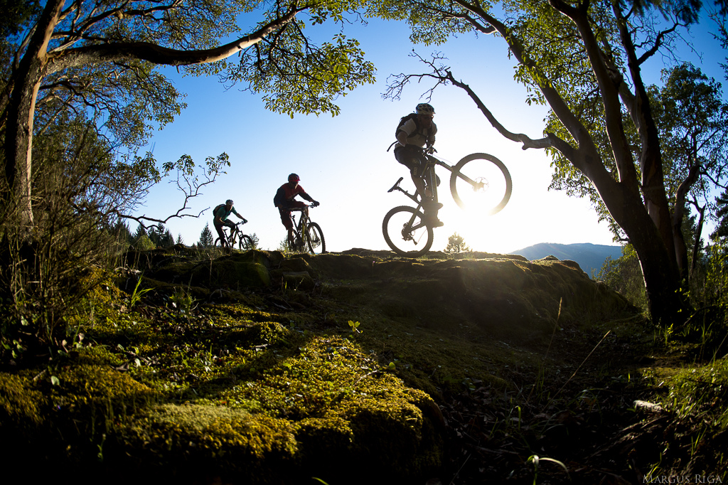 Riding on Vancouver Island is like being on vacation. All your worries seem to fade away and your mind relaxes as your bike flows effortlessly through the surreal landscapes of rock moss and Alder.