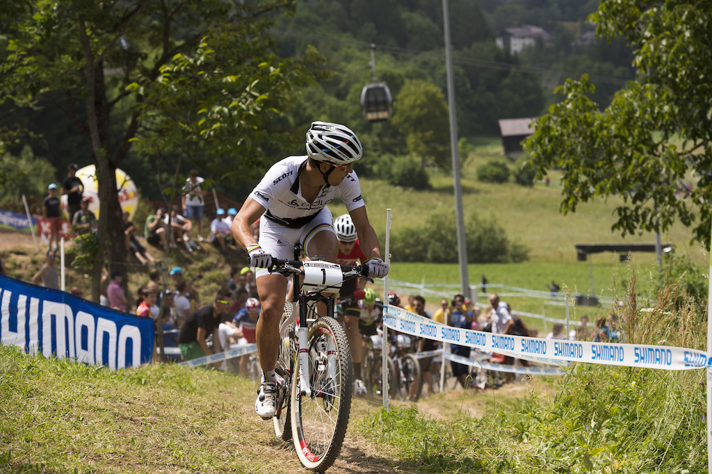 Nino Schurter led out the Elite Men s race with Julien Absalon and Jaroslav Kulhavy as his most likely threats. Top of the first climb and Schurter was looking to see who was gunning for him Absalon was caught in traffic but Kulhavy was a mere 3 seconds down.