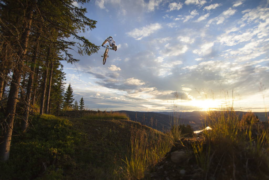 Sunset superman on Budeia - Photo Audun Storsanden