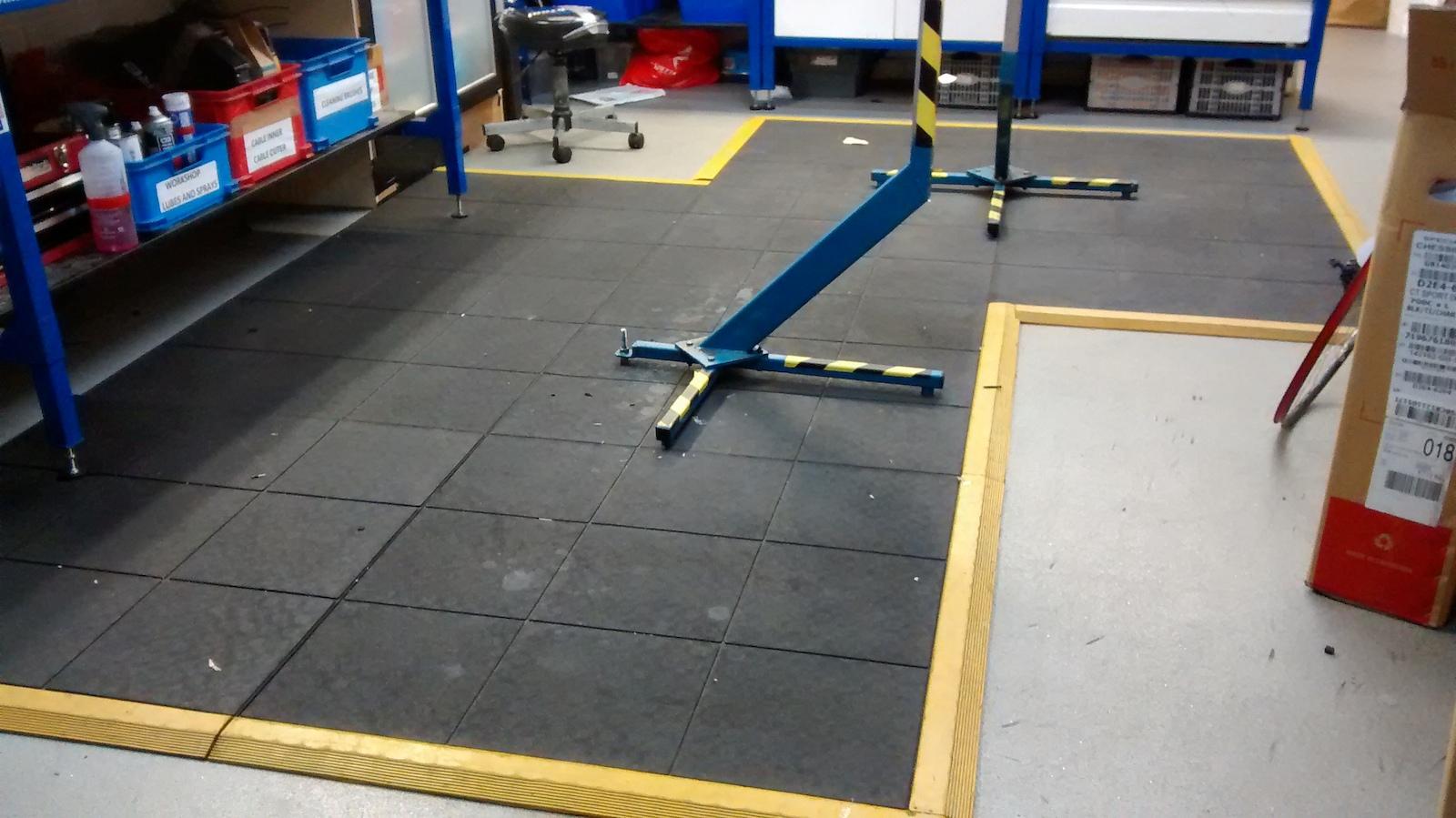 Rubber floor mats workshop - Http Www Slip Not Co Uk Rubber Matting Anti Fatigue Mats