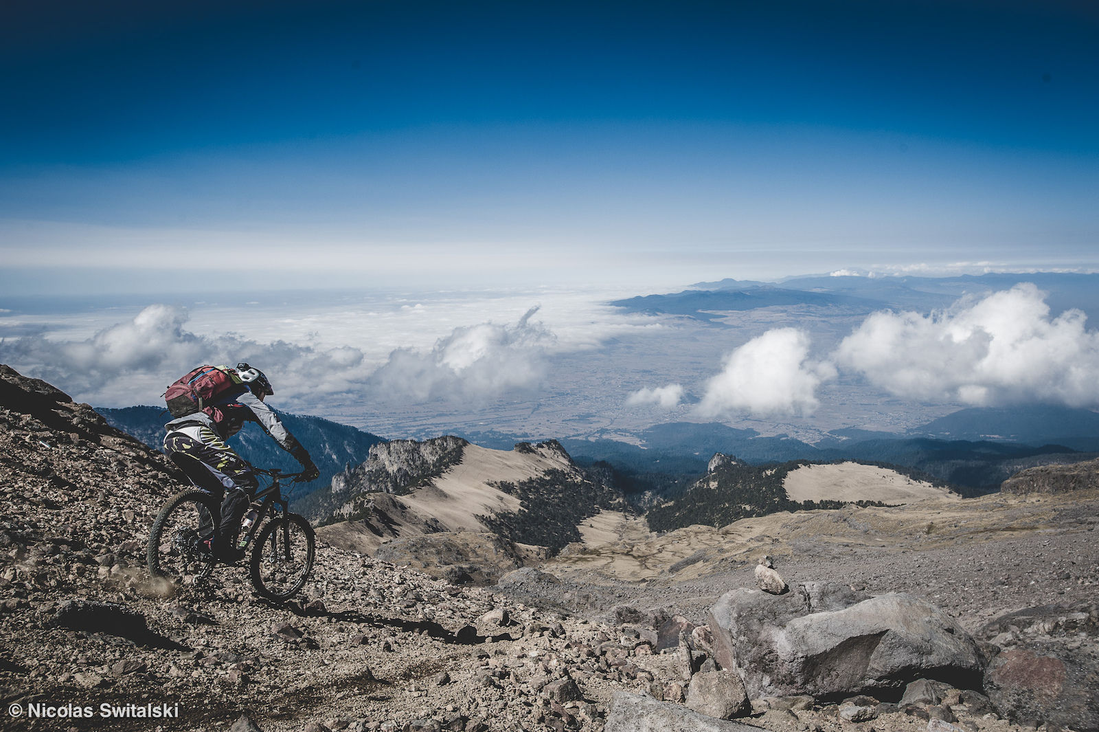 Image for the article - Iztacc huatl Riding down a volcano