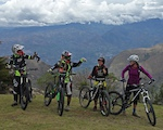The La Paz downhill starts from the caserio/mountain village of Portetillos. The track descends 1700+ m to the small village of Sulupali in the Yunguilla valley.
