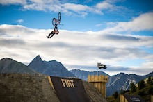 Video: Szymon Godziek at Fiat Nine Knights 2013