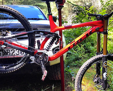 First Look: Trek's Prototype 650B Session DH Bike - NZ Nationals