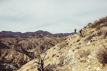 Video: Desert Dreaming - Riding the RockShox RS-1