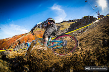 Video: DirtTV - Racing Action From EWS Round 1, Day One