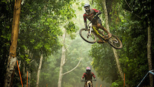 Video: UCI DH World Cup: Cairns Practice