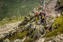 Video: Polygon UR Gets Their Valloire EWS On