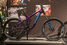 "First Look: Trek's New Carbon Slash, 27.5 Session DH Bike, and 26"" Session Park Bike"