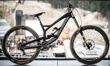 First Look at YTs new Carbon DH Prototype
