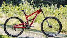 First Look: Diamondback's Affordable Downhiller - the 2015 DB8