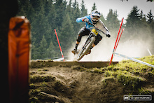 Video: Lapierre Gravity Republic At Meribel