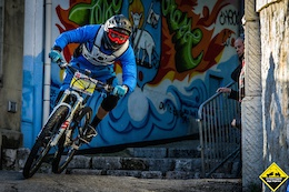 Video: Urban DH Hits Grasse, France