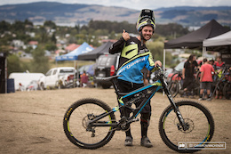 21 DH Race Bike Checks - NZ National Champs 2015