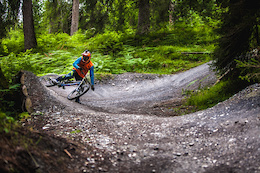 Video: Partly Cloudy Tour Episode Two - Riding in Flims