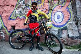 6 Urban DH Bike Checks - Valparaiso Cerro Abajo