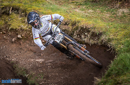 Video: Rose Bikes British Downhill Series #1 - Ae Forest