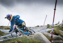 Replay: Fort William Downhill WC 2015