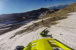 Video: Megavalanche Glacier Carnage