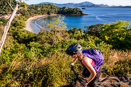 Riding with Chicas - Exploring Costa Rica by Mountain Bike