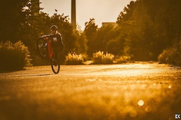 Sunset with my lover COMMENCAL from Horizon Bikes  Photo by pstryKANIA Ewa Kania