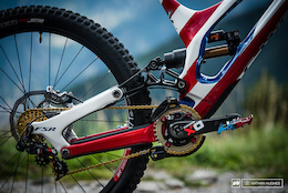 Bike Check: Gwin and Troy's Custom Specialized Demos - DH World Championships Vallnord 2015