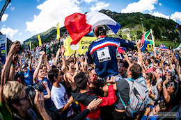 Video: Race Highlights - DH World Championships Vallnord 2015
