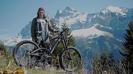 Video: Breaking in Bikes with Vink and Fairclough on the World's Biggest Jumps