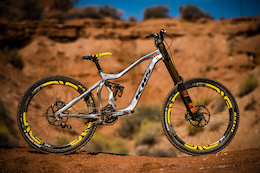 Binggeli's Single-Speed KHS Prototype - Red Bull Rampage 2015