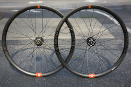 Review: Novatec Factor 327 Wheelset