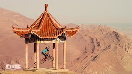MTB HEROES Season 2 - Darren Berrecloth and KC Deane - Gobi Desert
