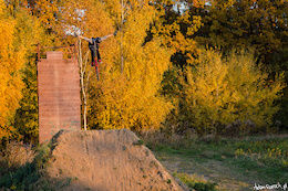 Pawel Stachak Autumn Bangers - Video