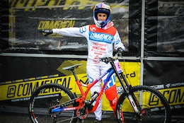 All In: Commencal/Vallnord DH Team's 2015 Story - Video