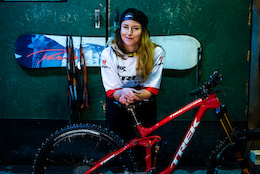 Trek Factory Racing welcomes Katy Winton and Casey Brown
