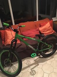 0 24 Seven Dark Angle Slacker 24'' Jump Bike.