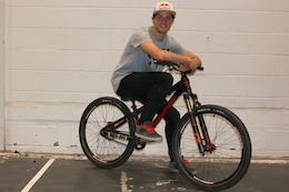Matt Jones Signs with Banshee Bikes