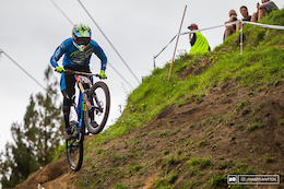 Raw: Charging at Practice - Crankworx Rotorua DH Presented by iXS - Video